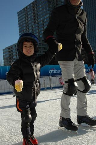 20110107.midtown skating6.jpg