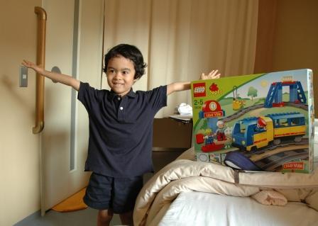 201105609.present for Taro.jpg