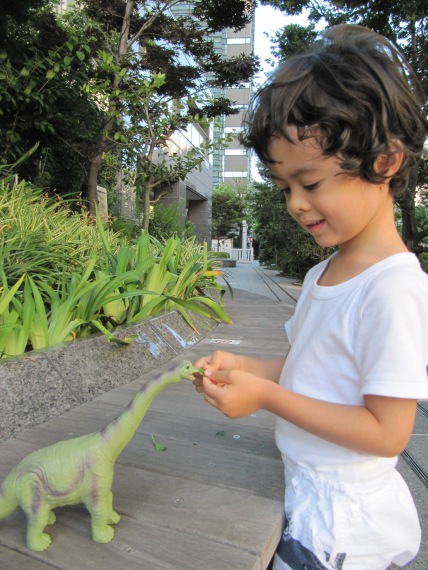 Walking with dynasaur.20100806.1.jpg